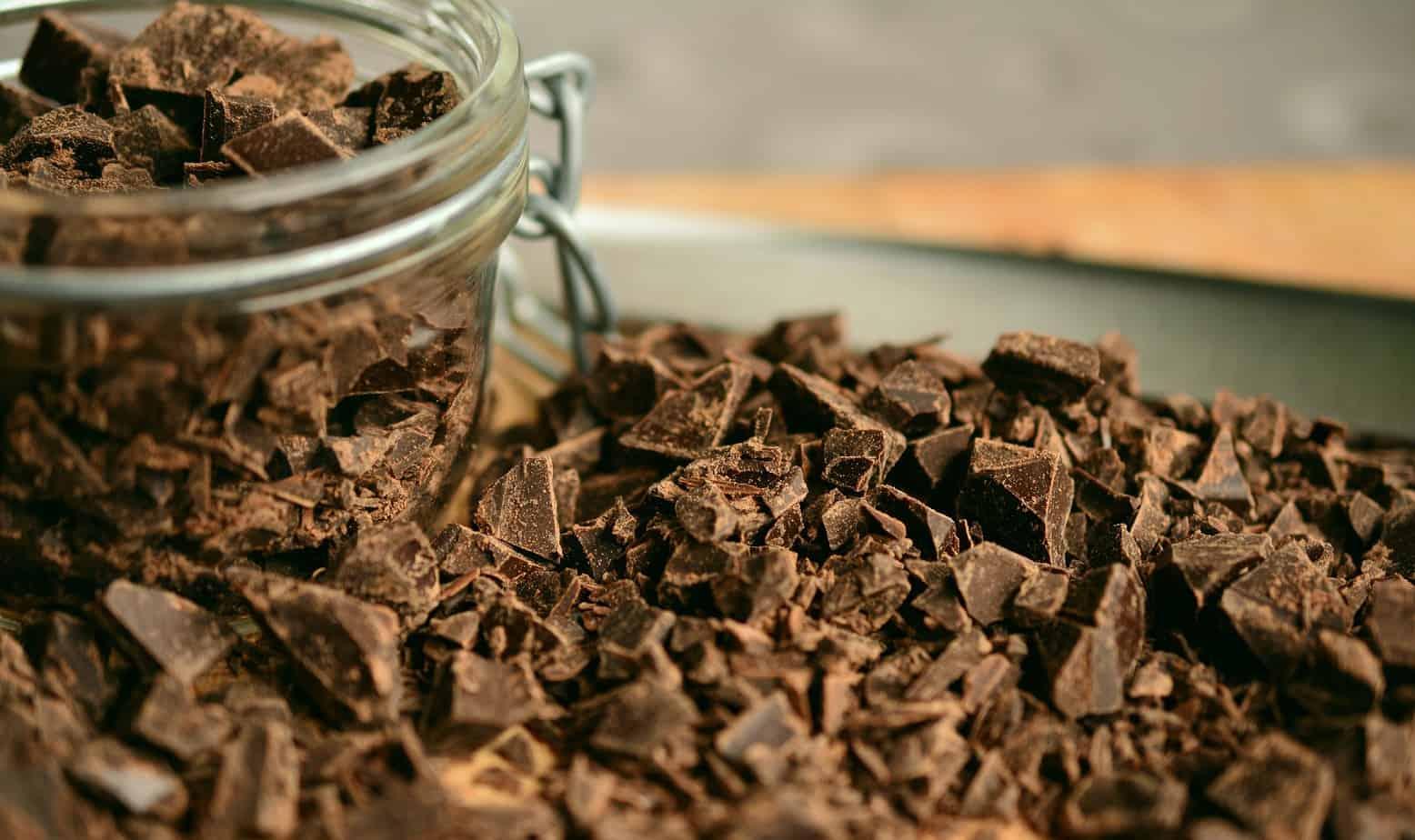 chopped chocolate-2224998_1920