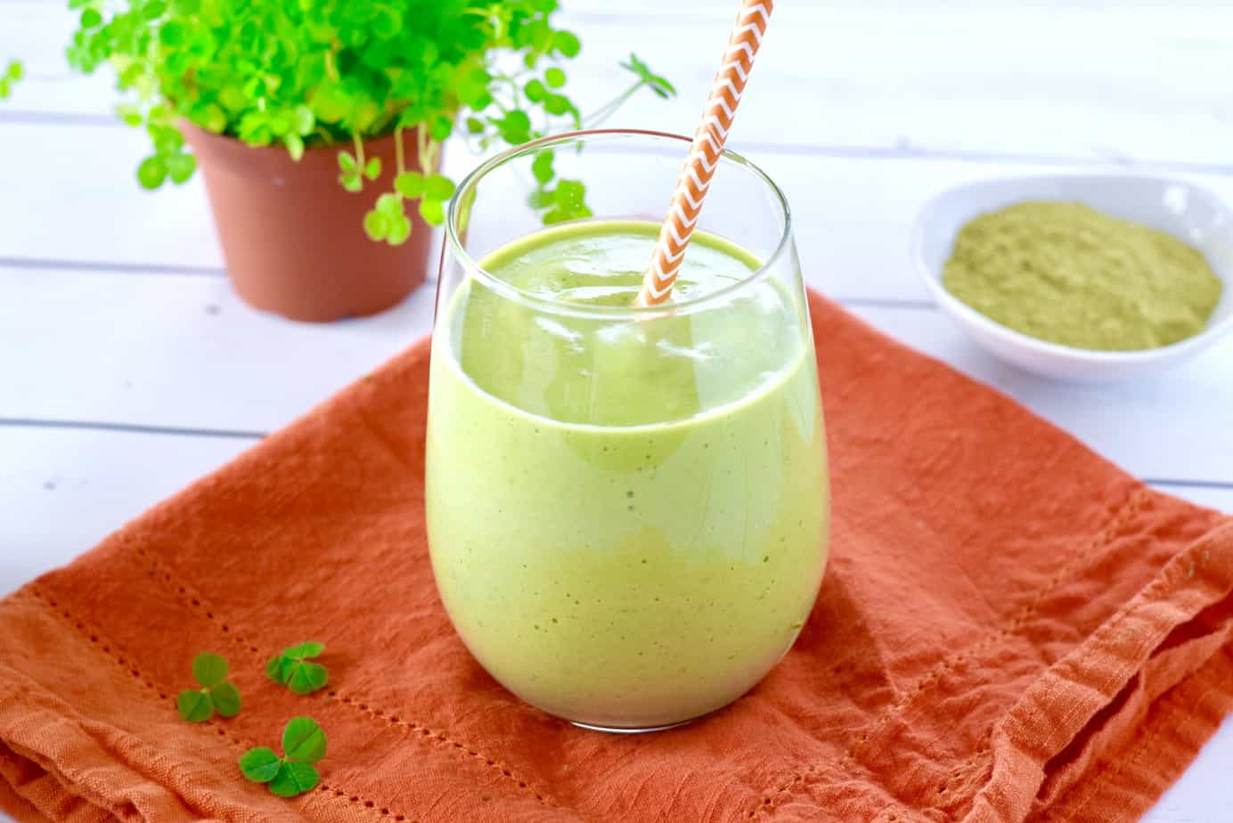vegan matcha green smoothie shake