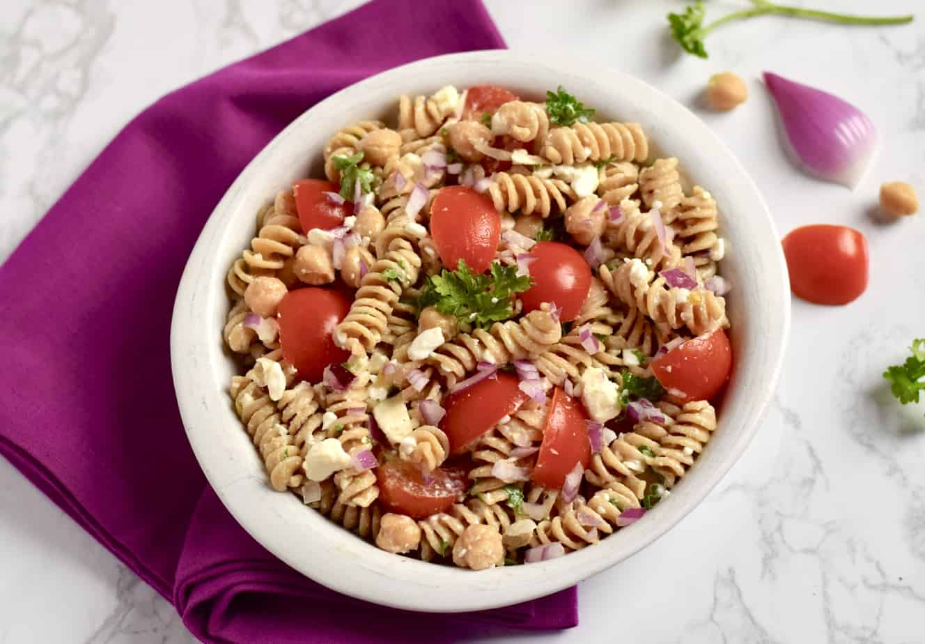 Pasta salad with cottage cheese and chickpeas.