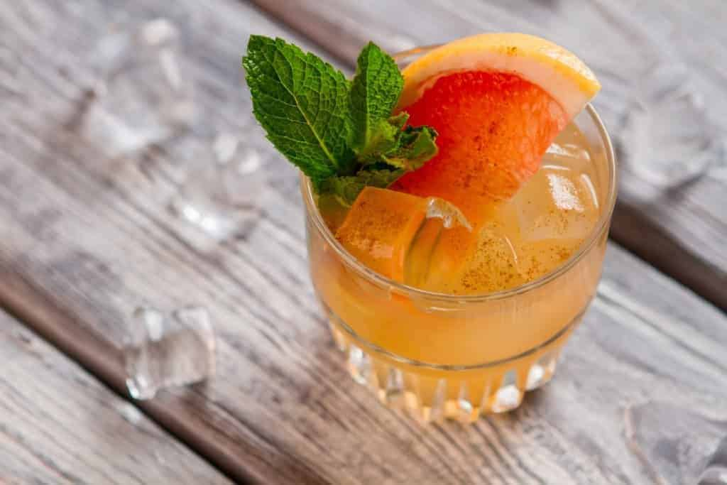 Citrusy Grapefruit Spritzer mocktail